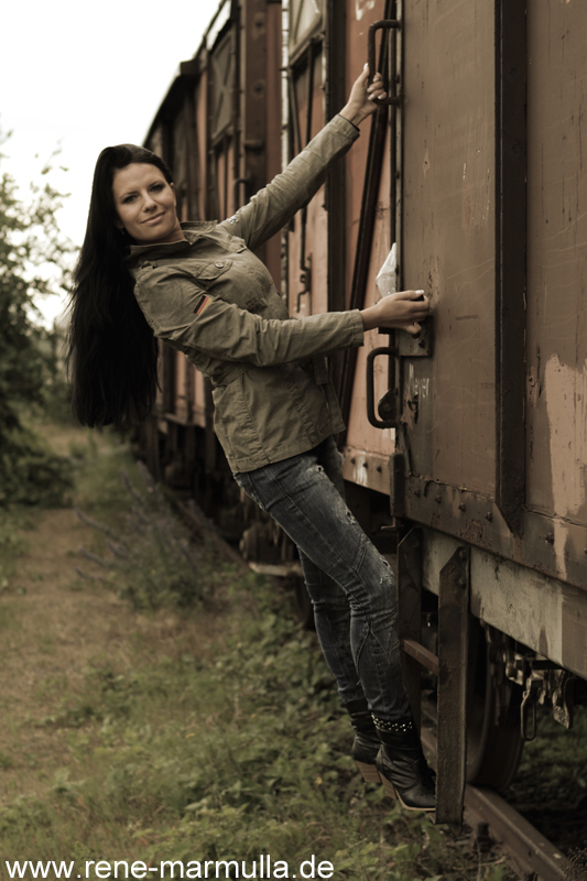 Eisenbahnshooting mit Inga - Renés FotoblogRenés Fotoblog